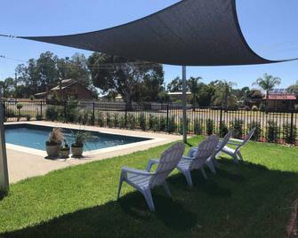 Bridge Motor Inn - Tocumwal - Pool
