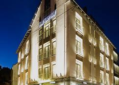 Royal Square Hotel & Suites - Riga - Building