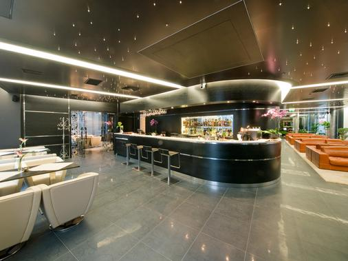 Royal Square Hotel & Suites - Riga - Bar