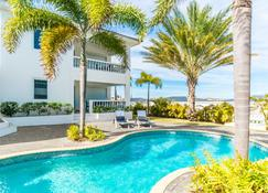 Palm Crest - วิลเลียมสแตน - สระว่ายน้ำ