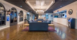 Travelodge by Wyndham Memphis Airport/Graceland - ממפיס - לובי