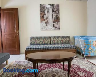 Cozy flat in Edessa - Édessa - Living room