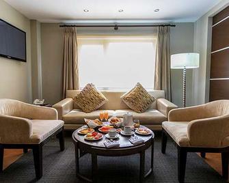Gran Hotel Cochabamba - Cochabamba - Olohuone