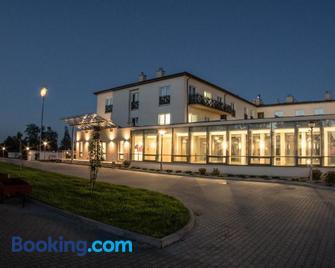 Hotel Radocza Park Business - Wadowice - Building