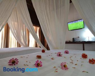 Kasuari Valley Beach Resort - Sorong - Slaapkamer