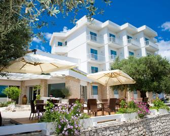 Hotel Orsa Maggiore - Castro (Italië) - Gebouw
