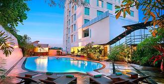 スイス ベルホテル マレオサン マナド - マナド