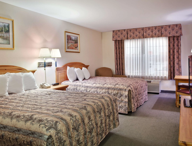 Country Inn & Suites by Radisson, Dubuque, IA - Dubuque - Bedroom