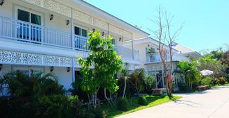 Moeimanee Resort - Mae Sot