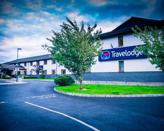 Travelodge Limerick - Limerick - Building