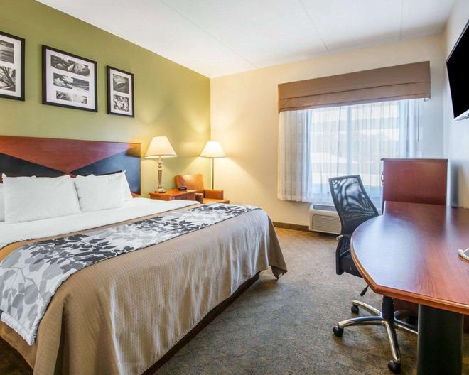 Sleep Inn & Suites - Panama City Beach - Bedroom