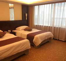 Kunming Green Land Hotel