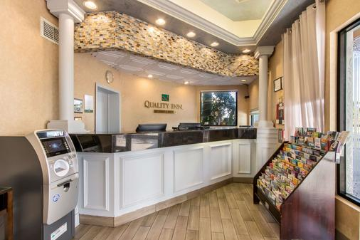 Quality Inn - Boca Raton - Front desk