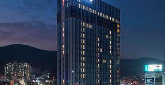 Ramada Encore by Wyndham Busan Haeundae - Μπουσάν - Κτίριο