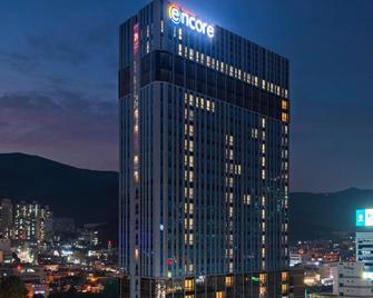 Ramada Encore by Wyndham Busan Haeundae - Busan - Building