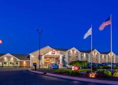 Best Western Plus Flint Airport Inn & Suites - Flint - Rakennus