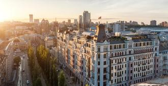 Premier Palace Hotel - Kyiv - Outdoors view