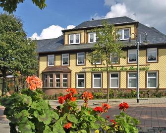 Haus Saarland am Rennsteig - Oberhof - Building