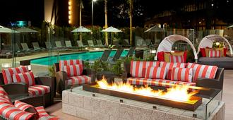 Residence Inn By Marriott Los Angeles Lax/Century Boulevard - Los Angeles - Uima-allas