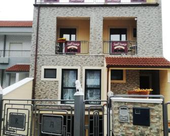 B&b Sant'oronzo Turi - Turi - Building