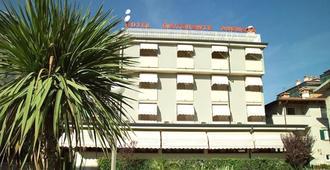 Hotel Villa Augusta - Grado - Edificio