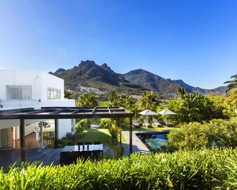 CUBE Guest House - Hout Bay - Building