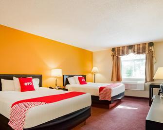 Econo Lodge - Whitehall - Bedroom