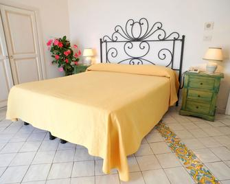 La Casa Sul Mare - Procida - Bedroom