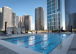 Radisson Blu Aqua Hotel, Chicago, IL - Chicago - Piscina