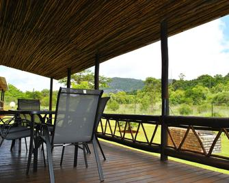 Mount Azimbo Lodge - Louis Trichardt - Balcony