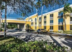 La Quinta Inn by Wyndham Jupiter - Jupiter - Edificio
