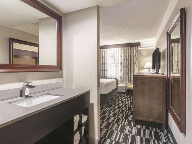 La Quinta Inn Jupiter - Jupiter - Bathroom