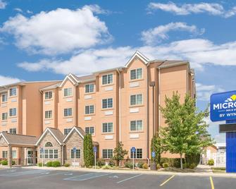 Microtel Inn & Suites by Wyndham Tuscumbia/Muscle Shoals - Tuscumbia - Building