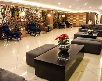 Hotel Dali Ejecutivo - Гвадалахара - Лоббі