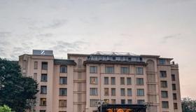 Z Luxury Residences - Mumbai - Building