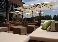 Best Western Plus Hotel Gergovie - Pérignat-lès-Sarliève - Hàng hiên