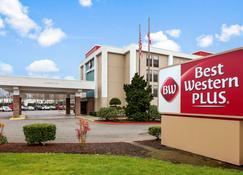 Best Western Plus Bellingham Airport Hotel - Bellingham - Building