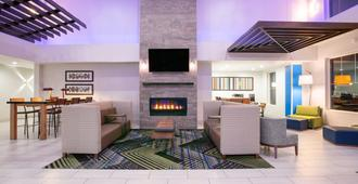 Holiday Inn Express Hotel & Suites Seaside-Convention Center - סיסייד - טרקלין