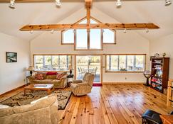 Open! Custom Vacation Chalet In Killington Country - Clarendon - Ruang tamu