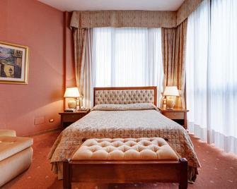 Borgo Palace Hotel - Sansepolcro - Спальня