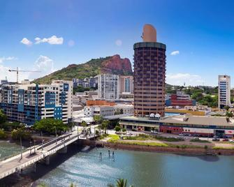 Hotel Grand Chancellor Townsville - Townsville - Outdoors view