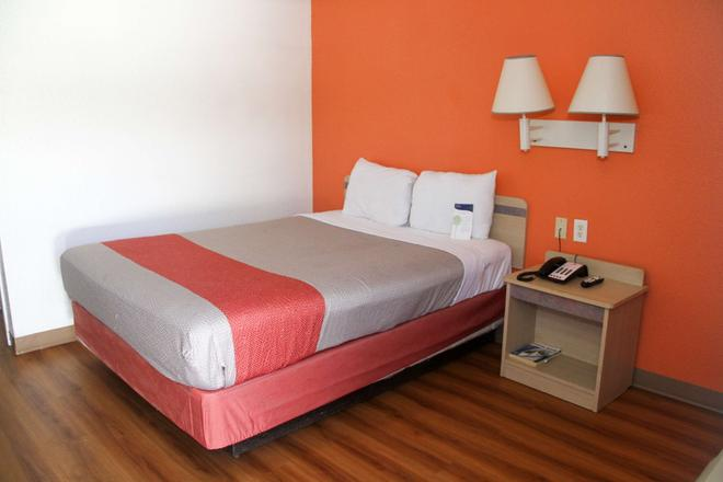 Motel 6 Lufkin - Lufkin - Habitación