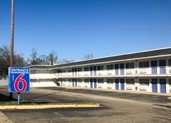 Motel 6 Lufkin - Lufkin - Rakennus