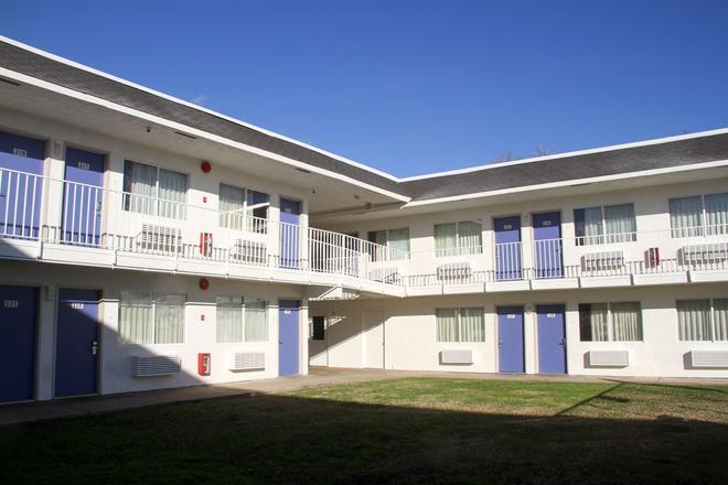 Motel 6 Lufkin - Lufkin - Edificio