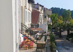 Oludeniz Hostel - Ölüdeniz - Outdoors view