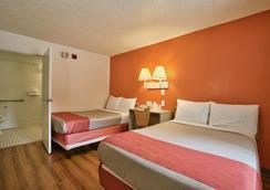塔拉哈西市中心 6 號汽車旅館 - 塔拉哈西 - 塔拉哈西 - 臥室
