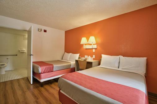 Motel 6 Tallahassee - Tallahassee - Bedroom