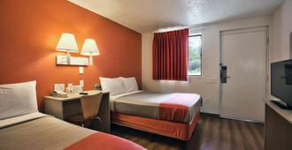 Motel 6 Tallahassee, Fl - טאלהאסי - חדר שינה