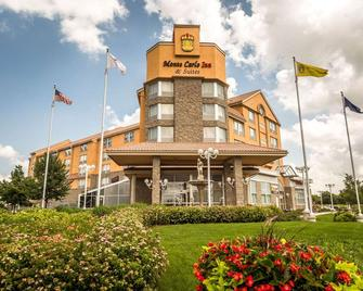 Monte Carlo Inn & Suites Downtown Markham - Markham - Building