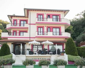 Hotel Levante - Fossacesia - Budova